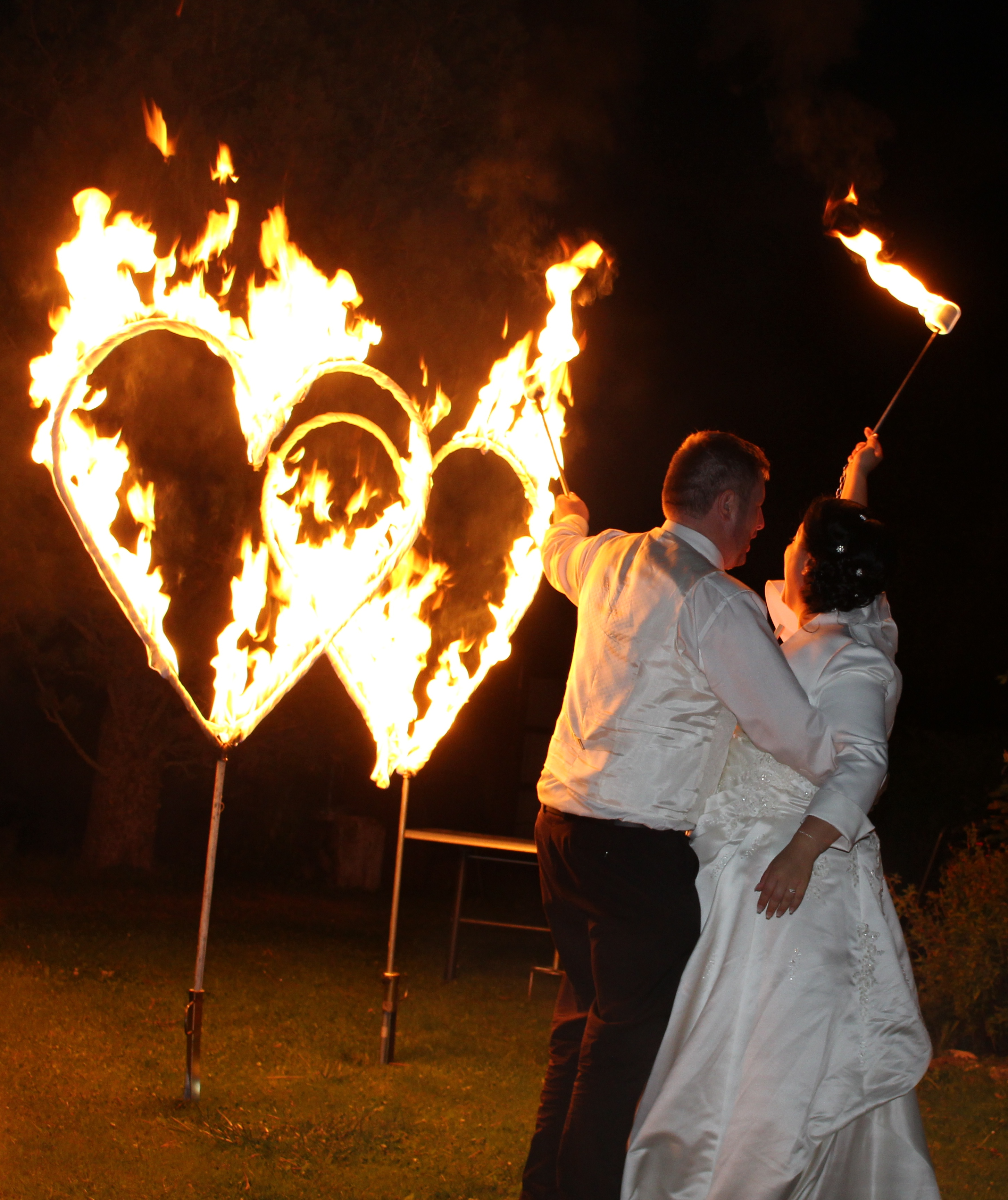 Berühmt Feuershows von Tanja Feuerherz in Bayern - die Feuershow mit Herz! UC71